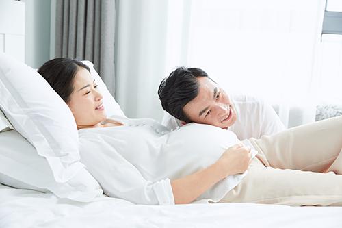 怀孕生男生女早知道,四个孕期特征告诉你看男
